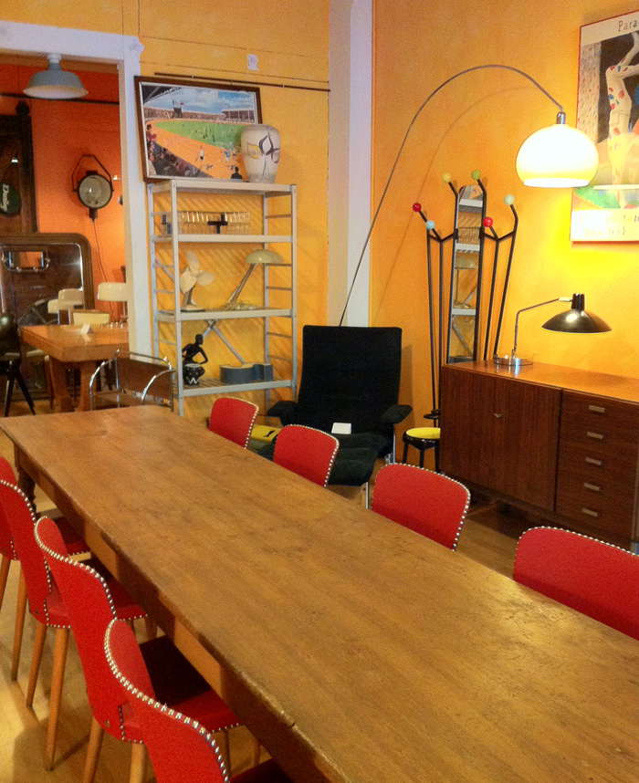 des meubles vintage lausanne. Black Bedroom Furniture Sets. Home Design Ideas