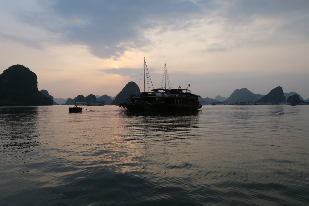 sunset_baie_halong