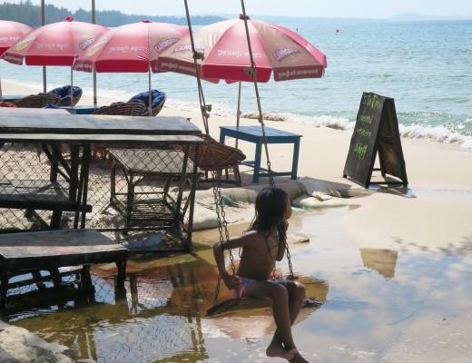 sihanoukville_beach_serendipity_kid