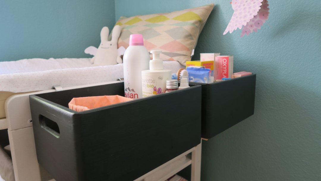 diy les caisses de rangement pour table langer. Black Bedroom Furniture Sets. Home Design Ideas